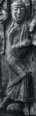 Bronzetür von Now- gorod um 1152 Unterhemd unter der Oberkleidung