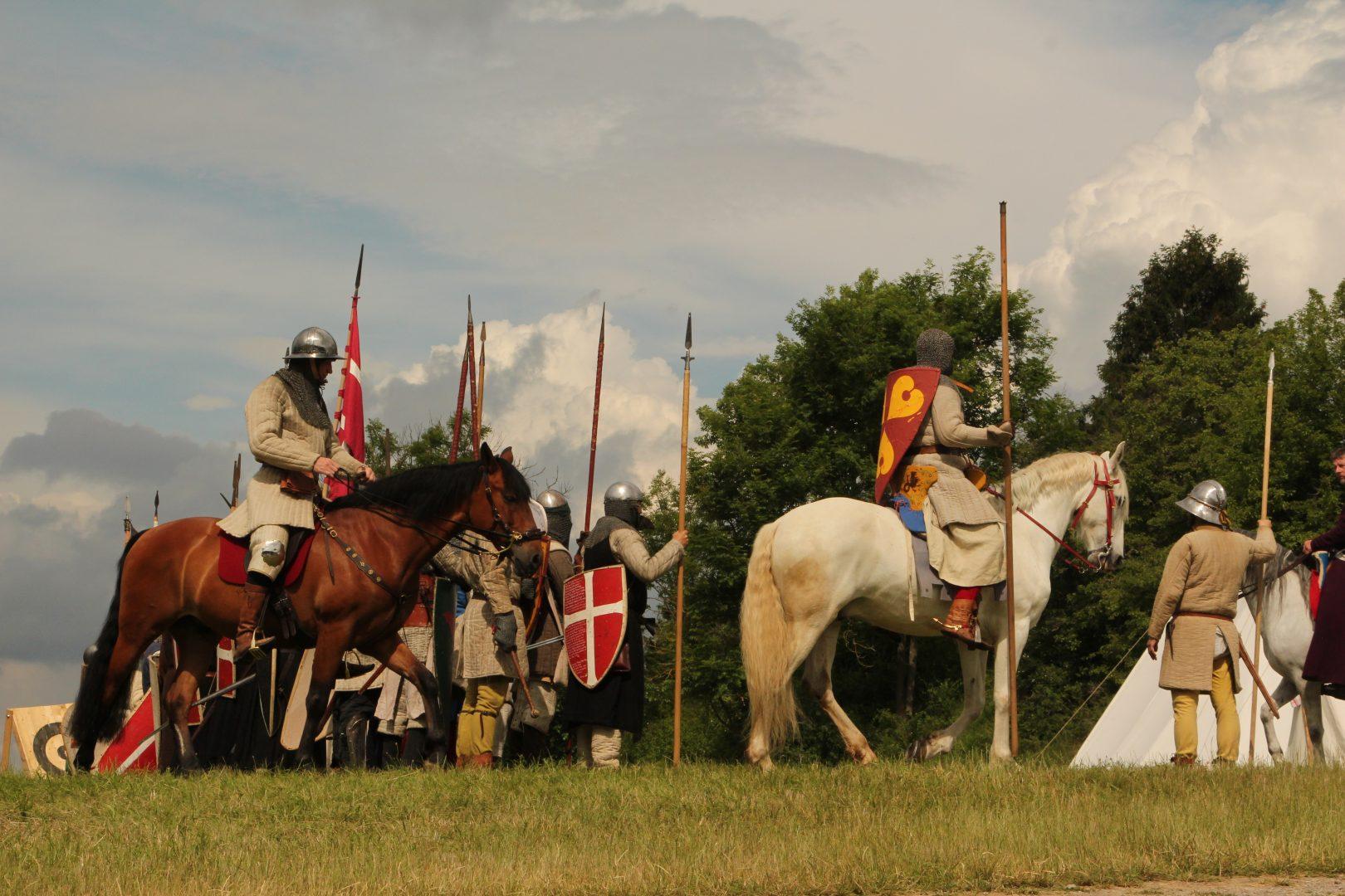 Die Kavallerie formiert sich.