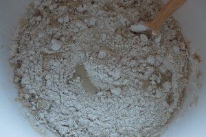 Die zweite Teigstufe aus Sauerteig, Mehl, Wasser und Salz.