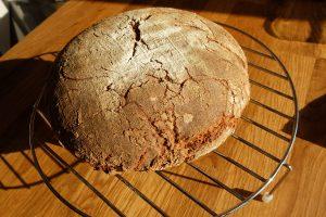 Das fertig gebackene Brot. Leider noch zu warm zum Anschneiden.